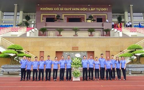 Viện kiểm sát nhân dân tỉnh tổ chức báo công  và dâng hương tưởng niệm chủ tịch Hồ Chí Minh