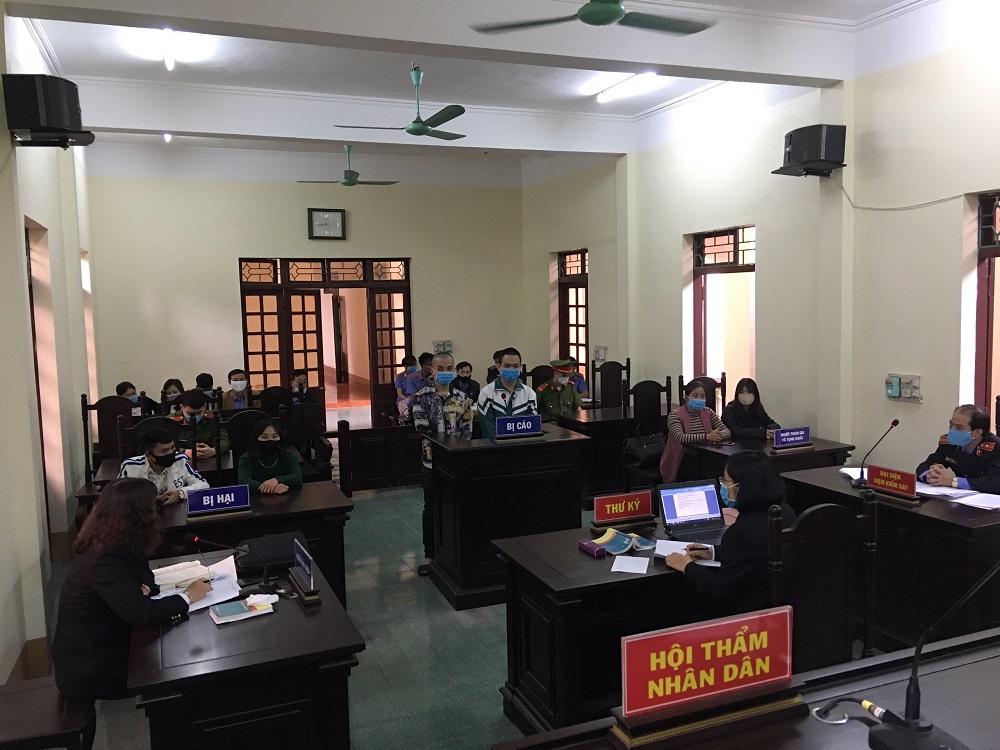Viện kiểm sát nhân dân huyện Văn Chấn phối hợp với Tòa án nhân dân cùng cấp tổ chức các phiên tòa xét xử rút kinh nghiệm