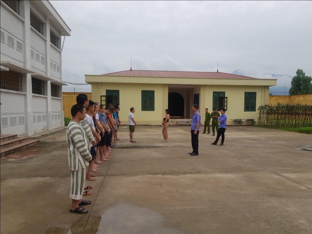 VKS Văn Yên trực tiếp kiểm sát đột xuất việc tạm giữ, tạm giam tại Nhà tạm giữ Công an huyện Văn Yên