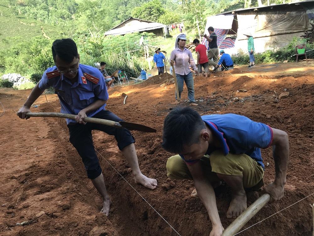 VKS Văn Chấn giúp đỡ khởi công xây dựng nhà cho hộ nghèo tại xã Nghĩa Tâm