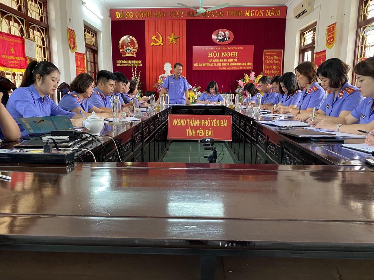 VKSND huyện Lục Yên kiểm tra chéo toàn diện công tác  tại VKSND thành phố Yên Bái