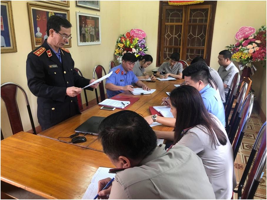 VKS huyện Văn Yên kiểm sát trực tiếp thi hành án dân sự tại Chi cục Thi hành án dân sự huyện