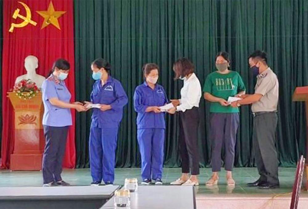Công đoàn VKSND thị xã Nghĩa Lộ hưởng ứng Tháng công nhân năm 2021