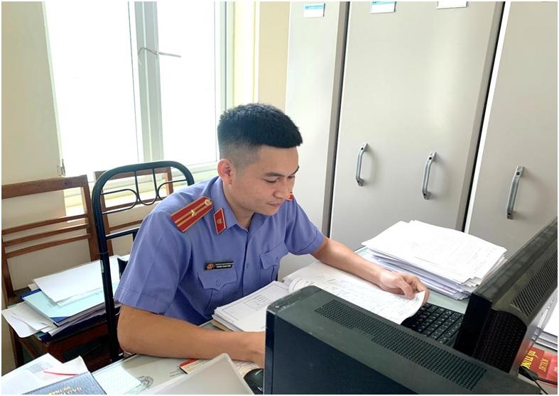 Đồng chí Trương Thanh Tùng – Tấm gương kiểm sát viên điển hình tiên tiến Viện kiểm sát nhân dân huyện Văn Chấn